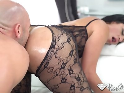 Wondrous hot nympho Cristal Caraballo flashes will not hear of booty and gives a ride