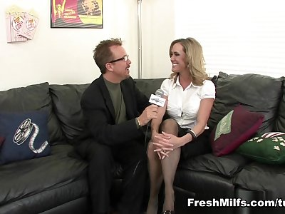 Perfect Stunner Brandi Love Fucks A Lucky Guy