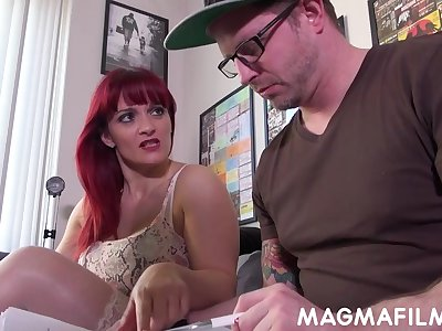 Mature beauty Mary Commuter is one hot cougar who sucks weasel words and fucks