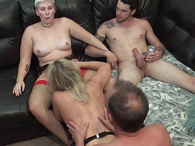 Hot swingers enjoying hardcore pussy banging