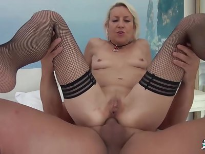 Charly Sparks - Blonde French Newbie Goes Be advantageous to Amateur Mature Sex, Gets Cum In Mouth