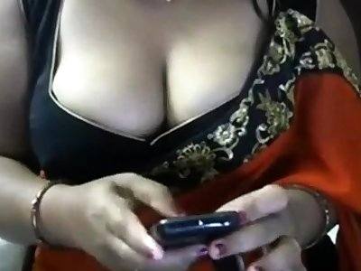 Indian Bhabhi close by sari Armpit Tease
