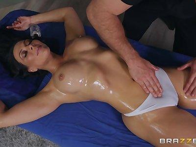 Hispanic naughty cougar Rachel Starr in memorable xxx scene