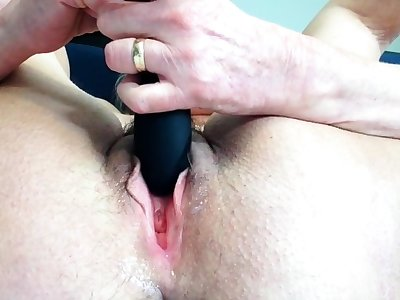 Sexy Granny Plays With Her Vibrator Solo